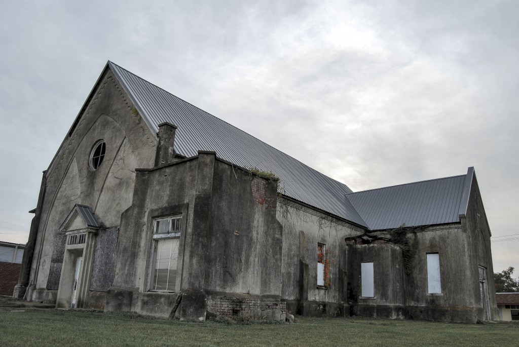 The former place of worship of Arkadelphia Baptist Church (now First Baptist Church) sits abandoned downtown. Photo by Tanner Ward.