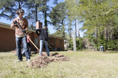 More than 700 Ouachita volunteers served Arkadelphia for Tiger Serve Day